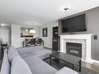 Photo 2: 301 2340 HAWTHORNE AVENUE in Port Coquitlam: Central Pt Coquitlam Condo for sale : MLS®# R2316603