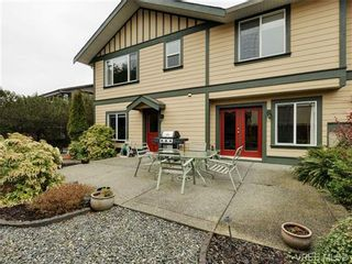 Photo 2: 3420 Mary Anne Cres in VICTORIA: Co Triangle House for sale (Colwood)  : MLS®# 723824