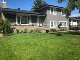 Photo 2: 6427 Larkspur Way SW in Calgary: North Glenmore Park Detached for sale : MLS®# A1079001