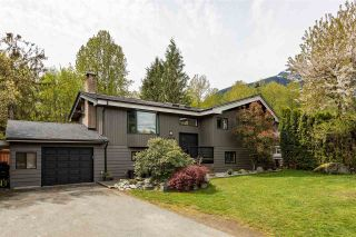 Main Photo: 1434 MAPLE Crescent in Squamish: Brackendale House for sale : MLS®# R2574059