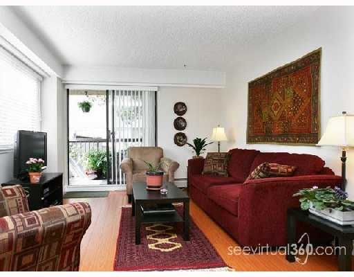 FEATURED LISTING: 204 - 47 AGNES Street New_Westminster
