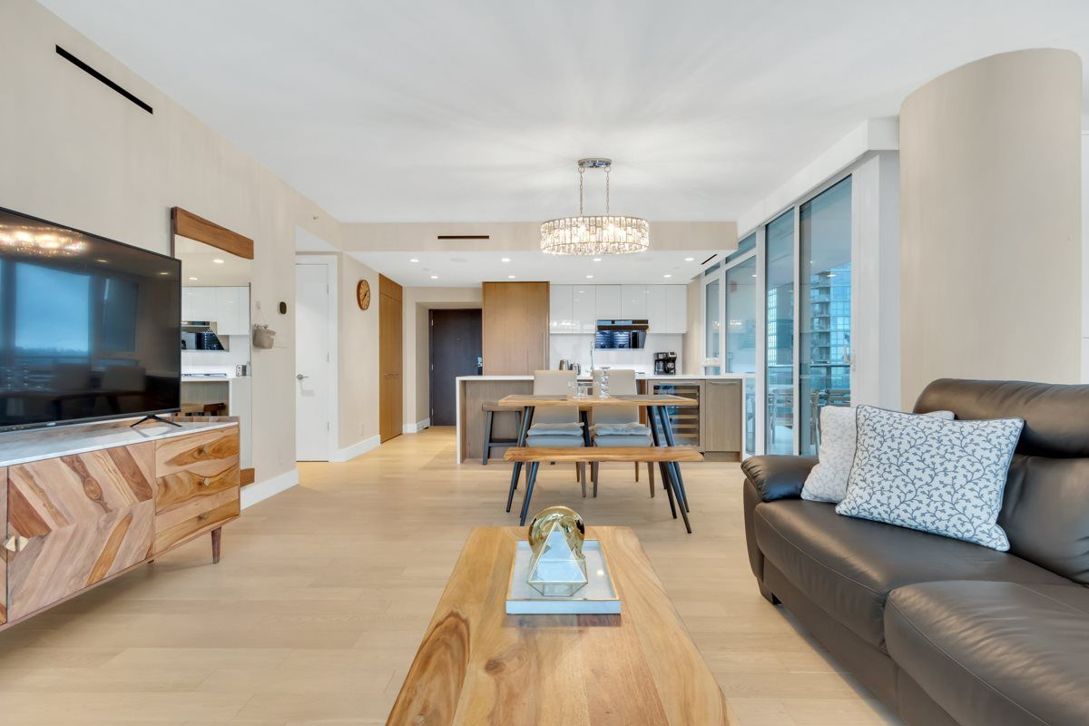 """Photo 10: Photos: 2001 499 PACIFIC Street in Vancouver: Yaletown Condo for sale in """"The Charleson"""" (Vancouver West)  : MLS®# R2456013"""