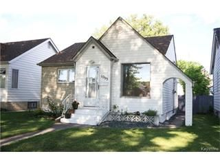 Main Photo: 1095 Spruce Street in Winnipeg: Sargent Park Residential for sale (West End)  : MLS®# 1520100