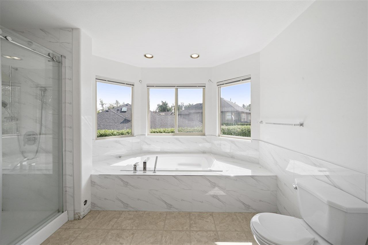 """Photo 5: Photos: 5268 CLIPPER Place in Delta: Neilsen Grove House for sale in """"MARINA GARDENS"""" (Ladner)  : MLS®# R2396213"""