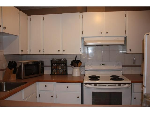 Photo 4: Photos: 3207 80 GLAMIS Drive SW in CALGARY: Glamorgan Condo for sale (Calgary)  : MLS®# C3568501
