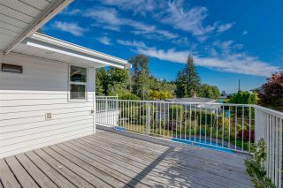 """Photo 9: 14528 SATURNA Drive: White Rock House for sale in """"Upper West White Rock"""" (South Surrey White Rock)  : MLS®# R2483571"""