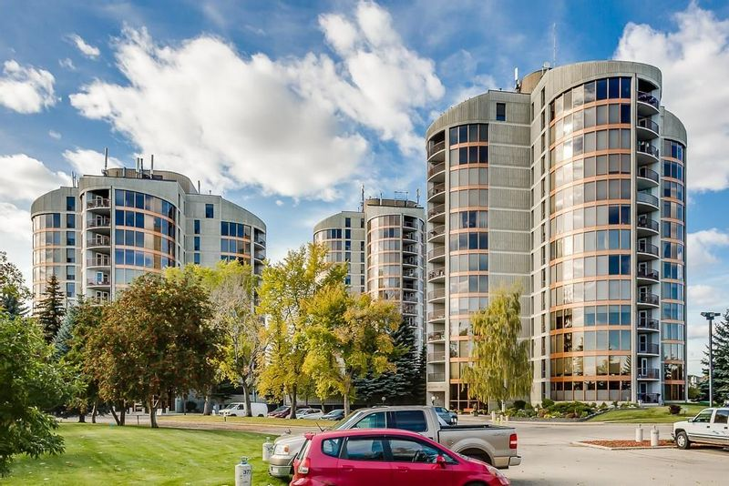 FEATURED LISTING: 2121 - 20 COACHWAY Road Southwest Calgary