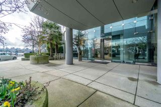 Photo 7: 2808 1033 MARINASIDE CRESCENT in Vancouver: Yaletown Condo for sale (Vancouver West)  : MLS®# R2238067