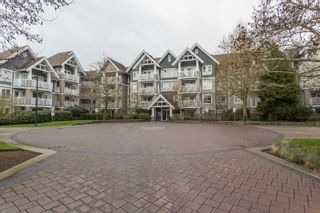 "Photo 3: 404 20750 DUNCAN Way in Langley: Langley City Condo for sale in ""FAIRFIELD LANE"" : MLS®# R2564057"