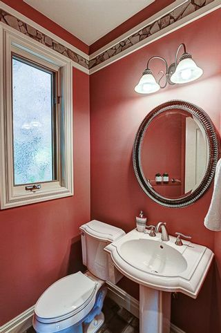 Photo 23: 251 Slopeview Drive SW in Calgary: Springbank Hill Detached for sale : MLS®# A1132385