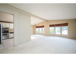 """Photo 8: 228 20071 24 Avenue in Langley: Brookswood Langley Manufactured Home for sale in """"Fernridge Park"""" : MLS®# R2600395"""