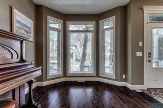 Photo 3: 2221 26 Street SW in Calgary: Killarney/Glengarry Detached for sale : MLS®# C4245993