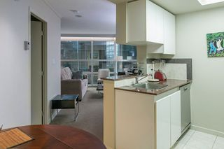 """Photo 10: 804 1050 BURRARD Street in Vancouver: Downtown VW Condo for sale in """"WALL CENTRE"""" (Vancouver West)  : MLS®# R2309129"""