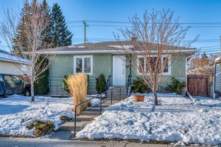 Photo 2: 77 Kentish Drive SW in Calgary: Kingsland Detached for sale : MLS®# A1059920