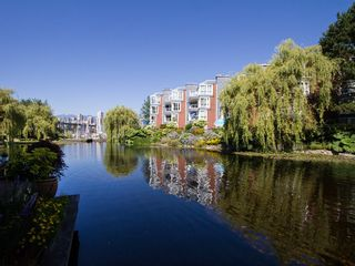 """Photo 22: 1511 MARINER Walk in Vancouver: False Creek Townhouse for sale in """"THE LAGOONS"""" (Vancouver West)  : MLS®# V1076044"""