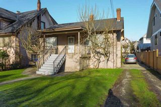 Photo 2: 2525 W 8TH AVENUE in Vancouver: Kitsilano House for sale (Vancouver West)  : MLS®# R2440103