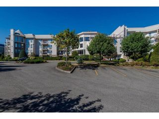 """Photo 2: 118 2626 COUNTESS Street in Abbotsford: Abbotsford West Condo for sale in """"The Wedgewood"""" : MLS®# R2578257"""