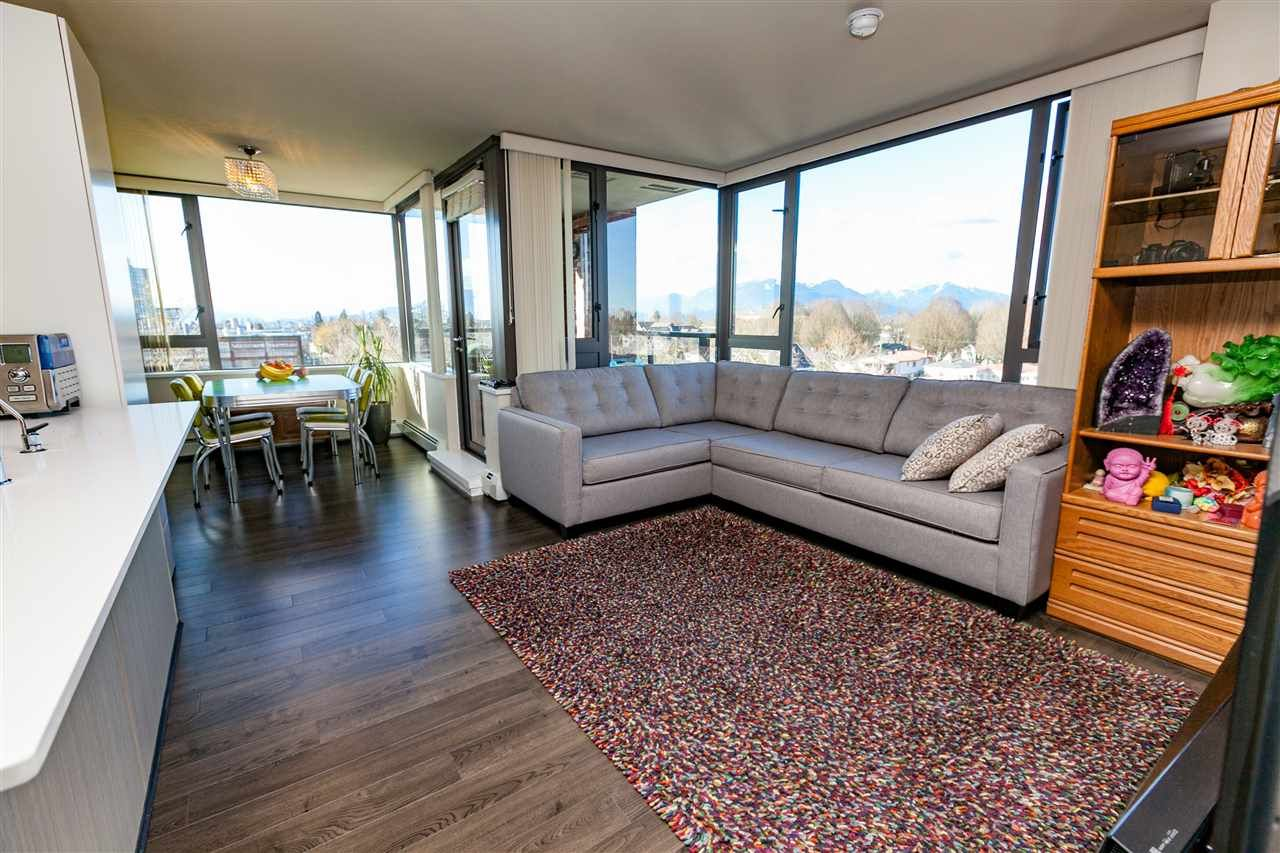 """Main Photo: 706 2689 KINGSWAY in Vancouver: Collingwood VE Condo for sale in """"SKYWAY TOWER"""" (Vancouver East)  : MLS®# R2146581"""