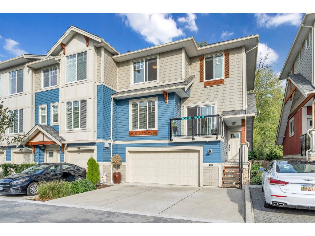 """Main Photo: 99 20498 82 Avenue in Langley: Willoughby Heights Townhouse for sale in """"GABRIOLA PARK"""" : MLS®# R2536337"""