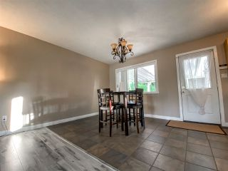 Photo 9: 18162 61B Avenue in Surrey: Cloverdale BC House for sale (Cloverdale)  : MLS®# R2509695