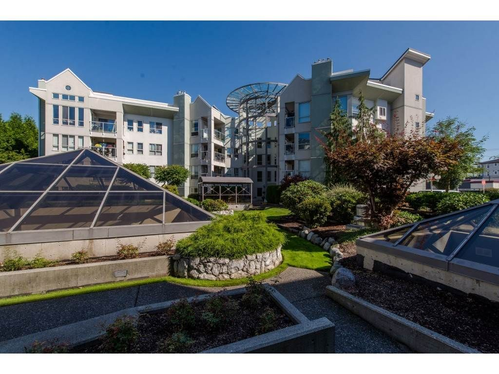 """Main Photo: 105 2585 WARE Street in Abbotsford: Central Abbotsford Condo for sale in """"The Maples"""" : MLS®# R2299641"""