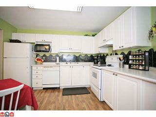 """Photo 7: 210 20189 54TH Avenue in Langley: Langley City Condo for sale in """"Catalina Gardens"""" : MLS®# F1127563"""