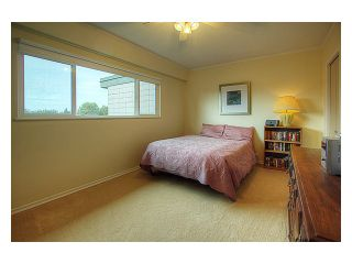 Photo 8: 5 4911 57A Street in Ladner: Hawthorne Townhouse for sale : MLS®# V877354