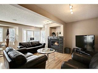 Photo 3: 98 Patina Rise SW in CALGARY: Prominence_Patterson Townhouse for sale (Calgary)  : MLS®# C3591171