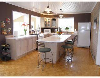 """Photo 3: 40710 N HIGHLANDS Way in Squamish: Garibaldi Highlands House for sale in """"GARIBALDI HIGHLANDS"""" : MLS®# V766627"""