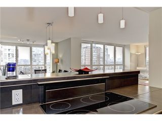 Photo 2: # 902 212 DAVIE ST in Vancouver: Yaletown Condo for sale (Vancouver West)  : MLS®# V1006089