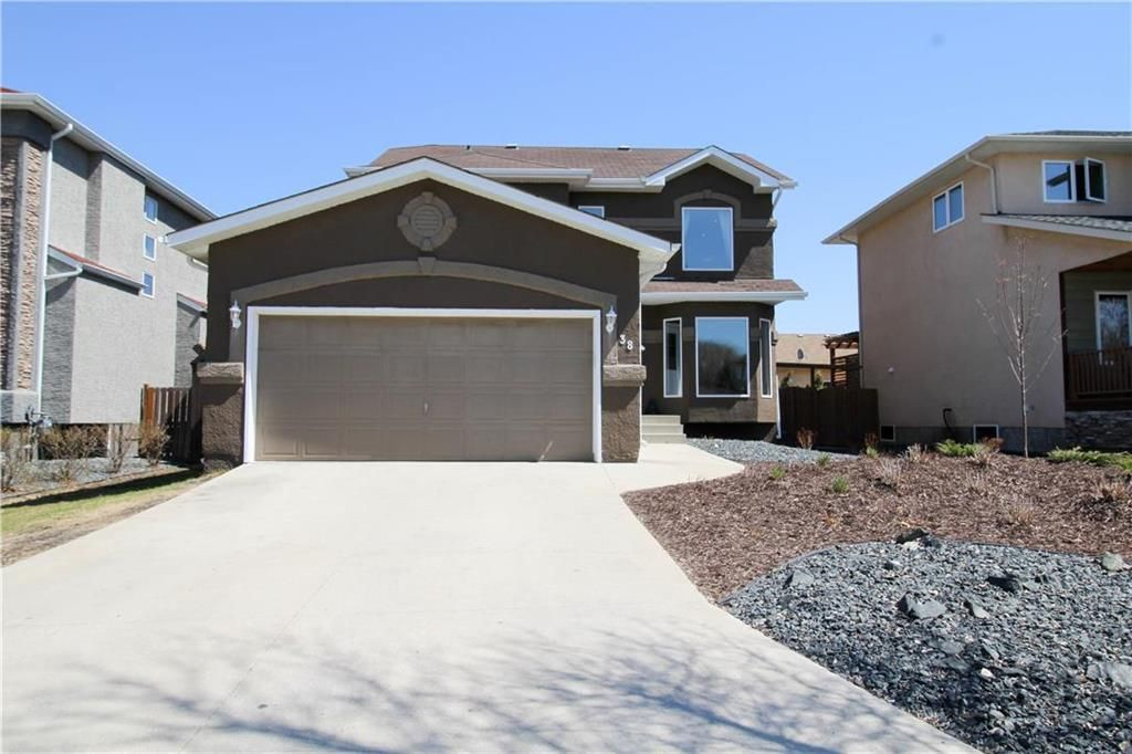 Main Photo: 38 Brittany Drive in Winnipeg: Residential for sale (1G)  : MLS®# 202104670