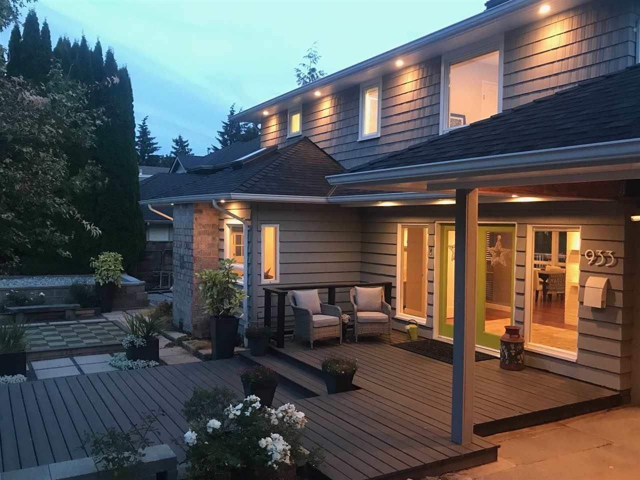 Main Photo: 933 MELBOURNE AVENUE in North Vancouver: Edgemont House for sale : MLS®# R2303309