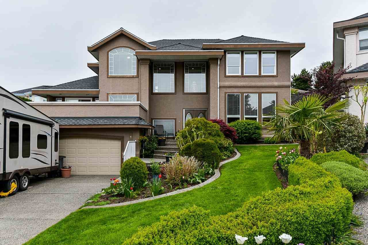 "Main Photo: 15331 80A Avenue in Surrey: Fleetwood Tynehead House for sale in ""South Fleetwood"" : MLS®# R2570967"