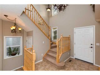 Photo 2: 449 ELGIN Way SE in Calgary: McKenzie Towne Residential Detached Single Family for sale : MLS®# C3653547