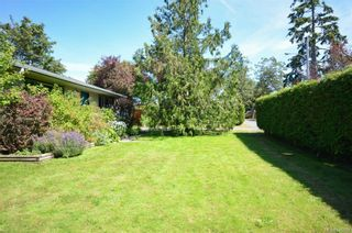 Photo 2: 790 Middleton St in Saanich: SW Gorge House for sale (Saanich West)  : MLS®# 845199