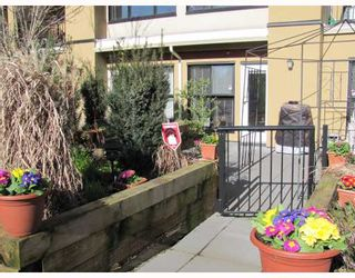 """Photo 3: 212 315 KNOX Street in New Westminster: Sapperton Condo for sale in """"SAN MARINO"""" : MLS®# V809268"""
