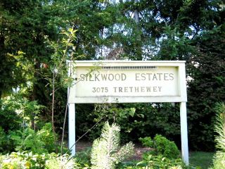 """Photo 2: 10 3075 TRETHEWEY Street in Abbotsford: Abbotsford West Townhouse for sale in """"SILKWOOD ESTATES"""" : MLS®# F1428724"""