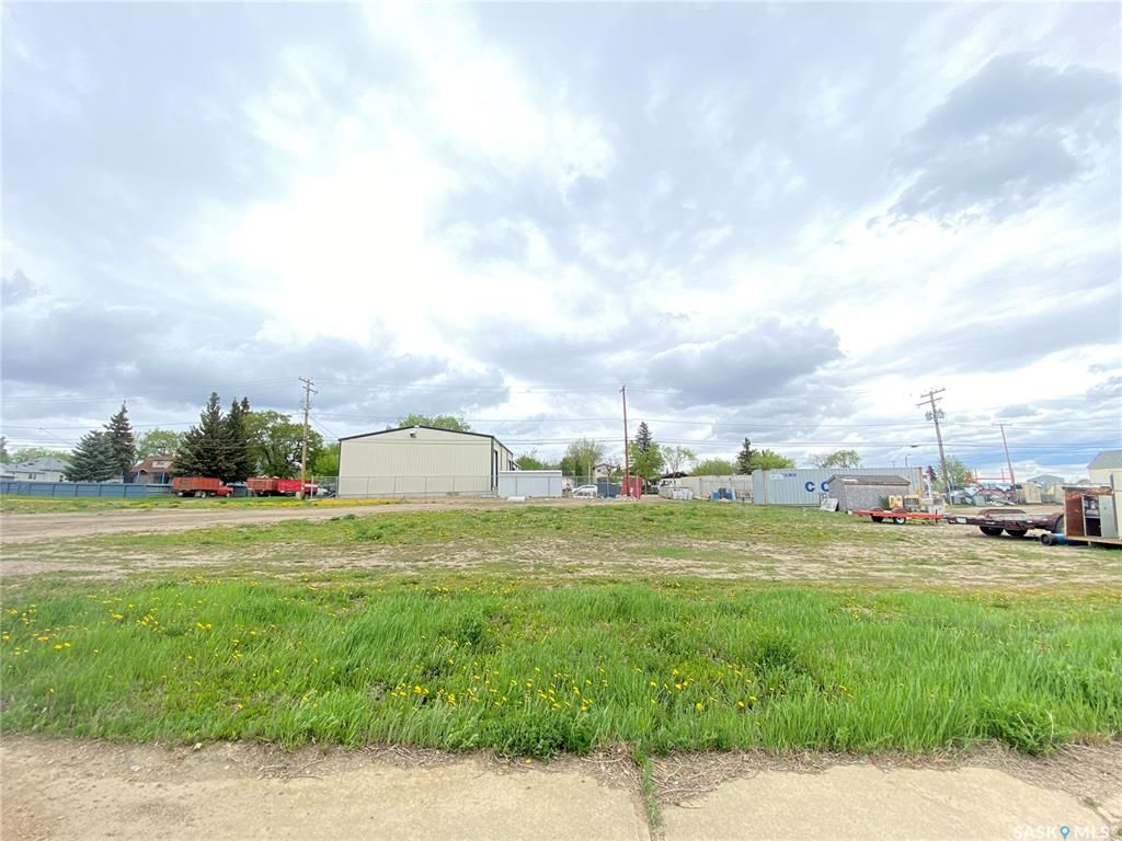 Main Photo: 832 105th Street in North Battleford: Lot/Land for sale : MLS®# SK847497