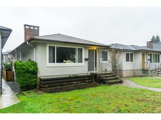 Photo 2: 2656 E 7TH Avenue in Vancouver: Renfrew VE House for sale (Vancouver East)  : MLS®# R2435751