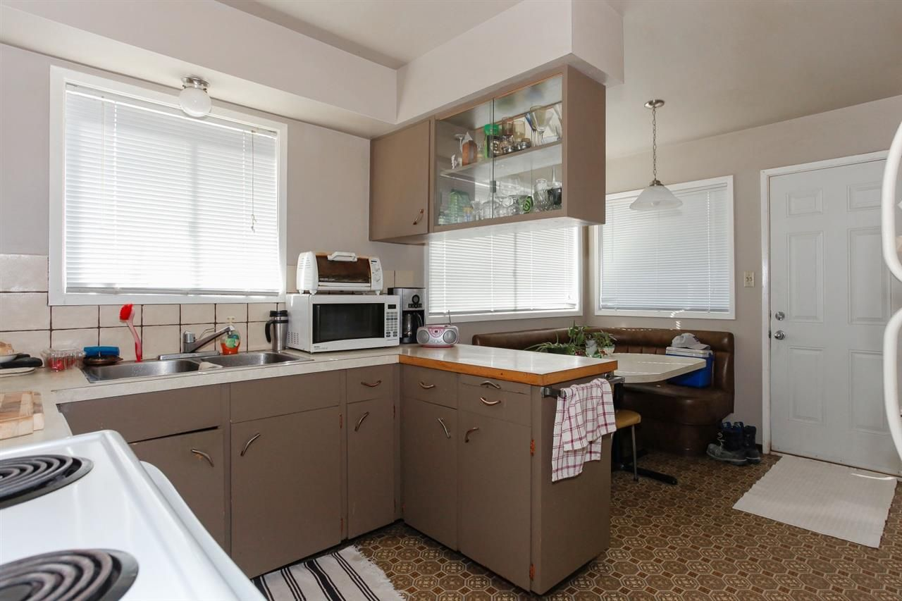 Photo 7: Photos: 334 LEROY STREET in Coquitlam: Central Coquitlam House for sale : MLS®# R2210687