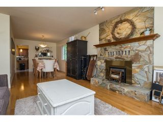 Photo 5: 15455 19 Avenue in Surrey: King George Corridor House for sale (South Surrey White Rock)  : MLS®# R2212130