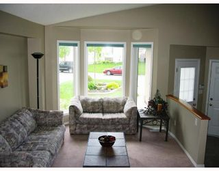 Photo 2: 142 EVERDEN Road in WINNIPEG: St Vital Residential for sale (South East Winnipeg)  : MLS®# 2810953