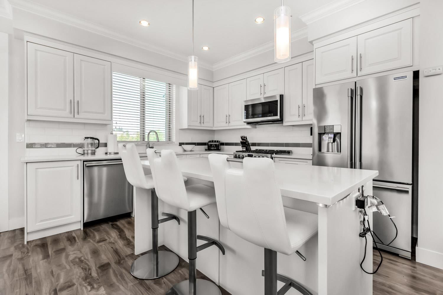 Photo 3: Photos: 98 19913 70 Avenue in Langley: Willoughby Heights Townhouse for sale : MLS®# R2606437