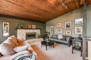 Photo 3: 315 BAYVIEW Place: Lions Bay House for sale (West Vancouver)  : MLS®# R2625303