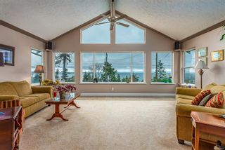 Photo 3: 321 Wireless Rd in : CV Comox (Town of) House for sale (Comox Valley)  : MLS®# 860085