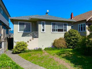 Photo 1: 2465 E 23RD Avenue in Vancouver: Renfrew Heights House for sale (Vancouver East)  : MLS®# R2585442
