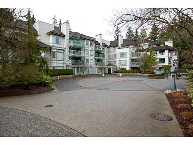 """Main Photo: 402 3658 BANFF Court in North Vancouver: Northlands Condo for sale in """"The Classics"""" : MLS®# V1028992"""