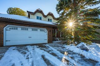 Photo 2: 27 Silvergrove Court NW in Calgary: Silver Springs Detached for sale : MLS®# A1065154