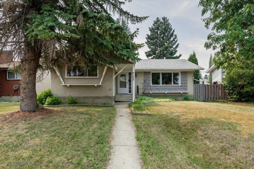 Main Photo: 9248 OTTEWELL Road in Edmonton: Zone 18 House for sale : MLS®# E4254840