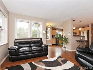 Photo 3: 804 Gannet Court in VICTORIA: La Bear Mountain Residential for sale (Langford)  : MLS®# 338049